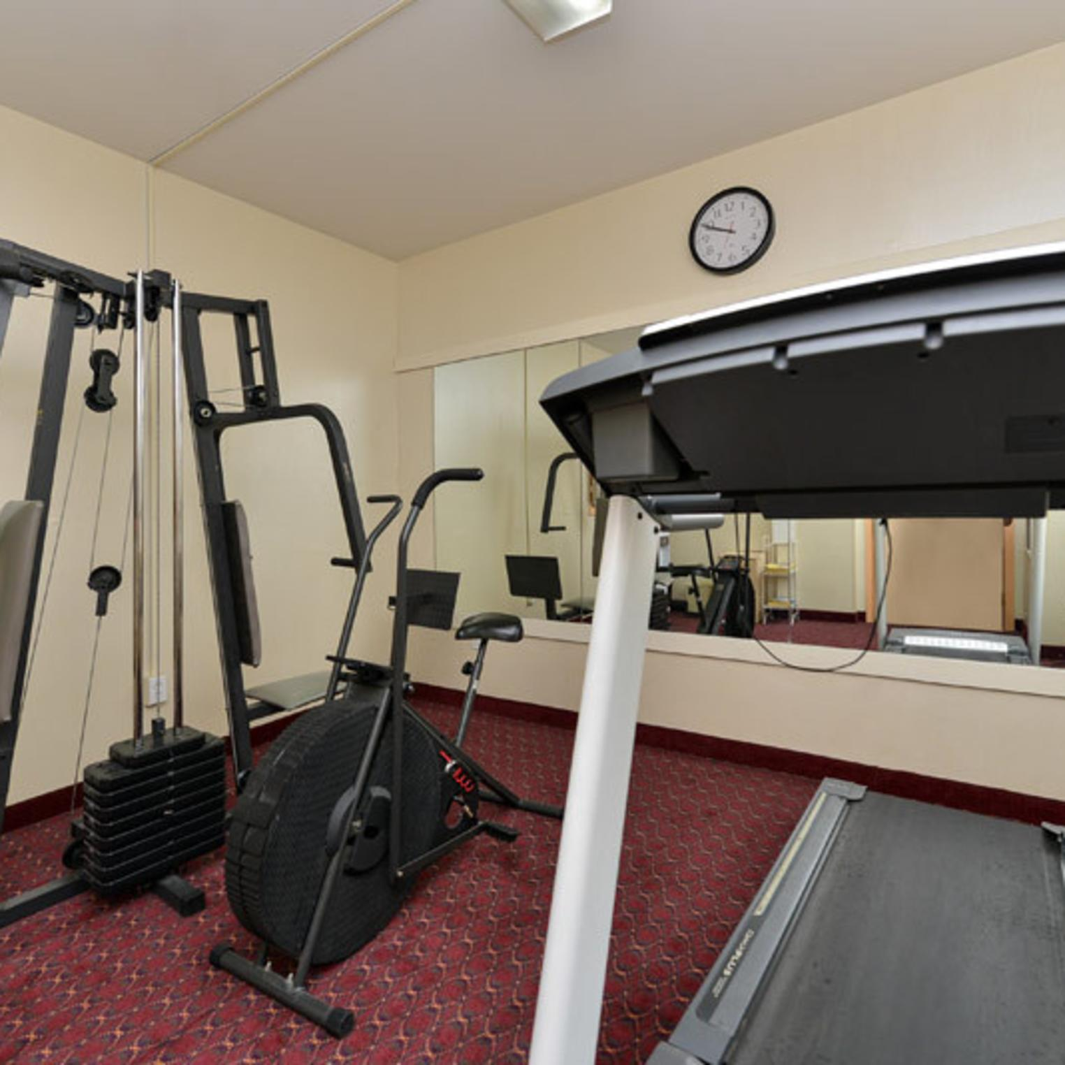 Econo Lodge Carlisle Fitness Room