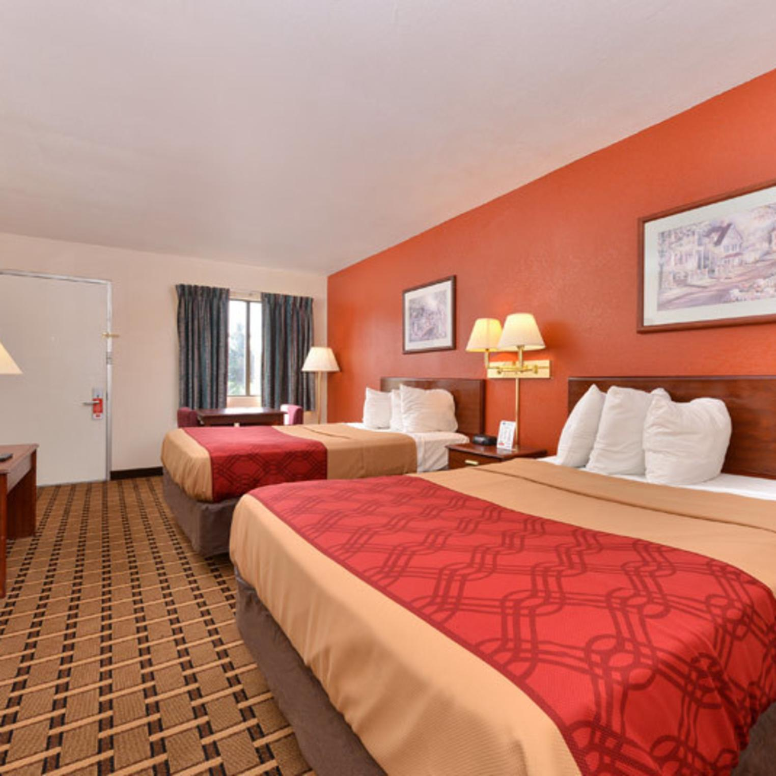 Econo Lodge Carlisle Guest Room