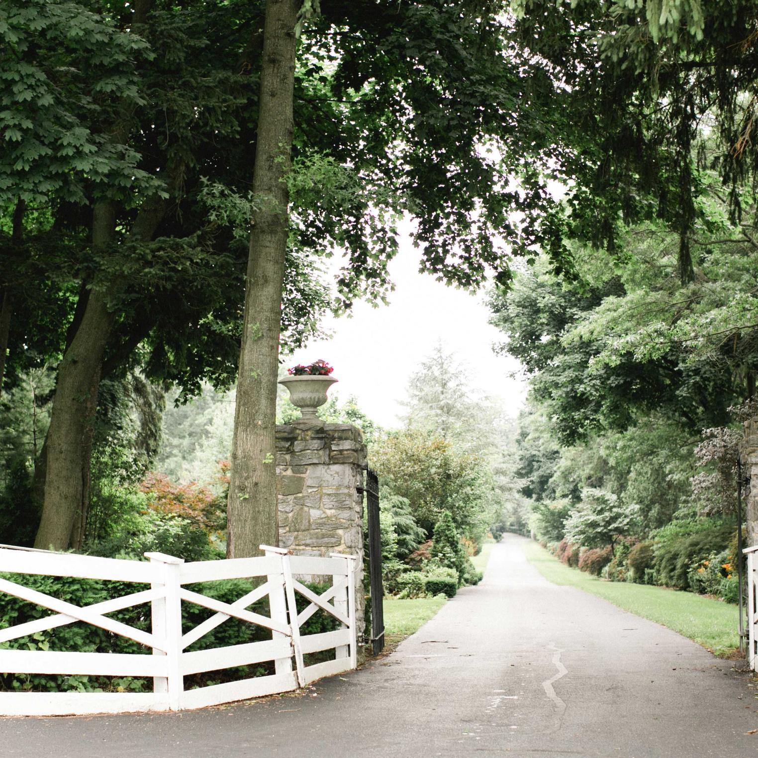 Entrance to Linwood