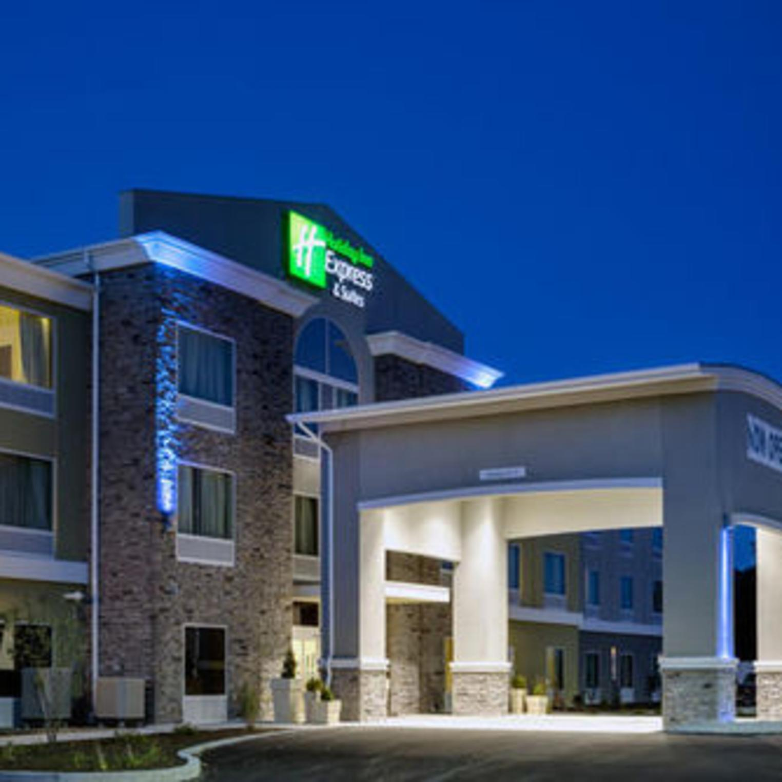Holiday Inn Express and Suites Carlisle