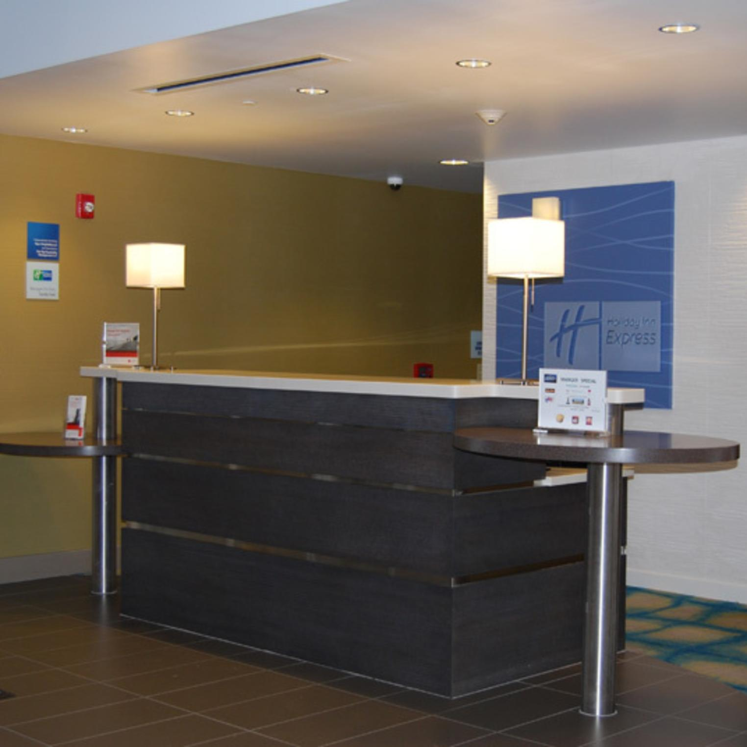 Holiday Inn and Suites Carlisle Desk