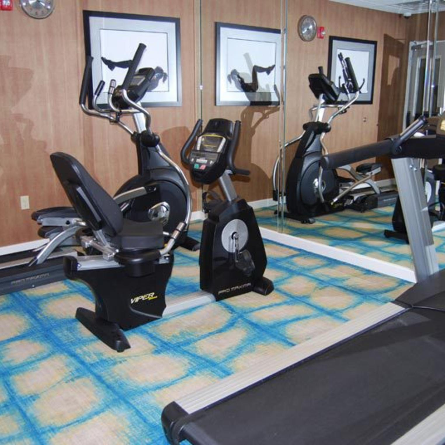 Holiday Inn Express and Suites Carlisle Fitness Center