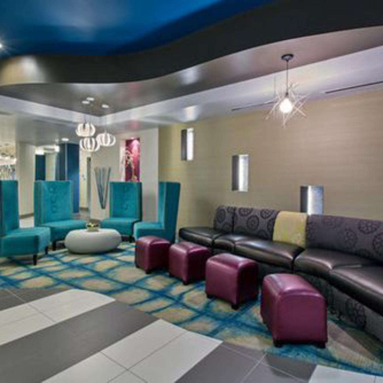 Holiday Inn Express and Suites Carlisle Lobby