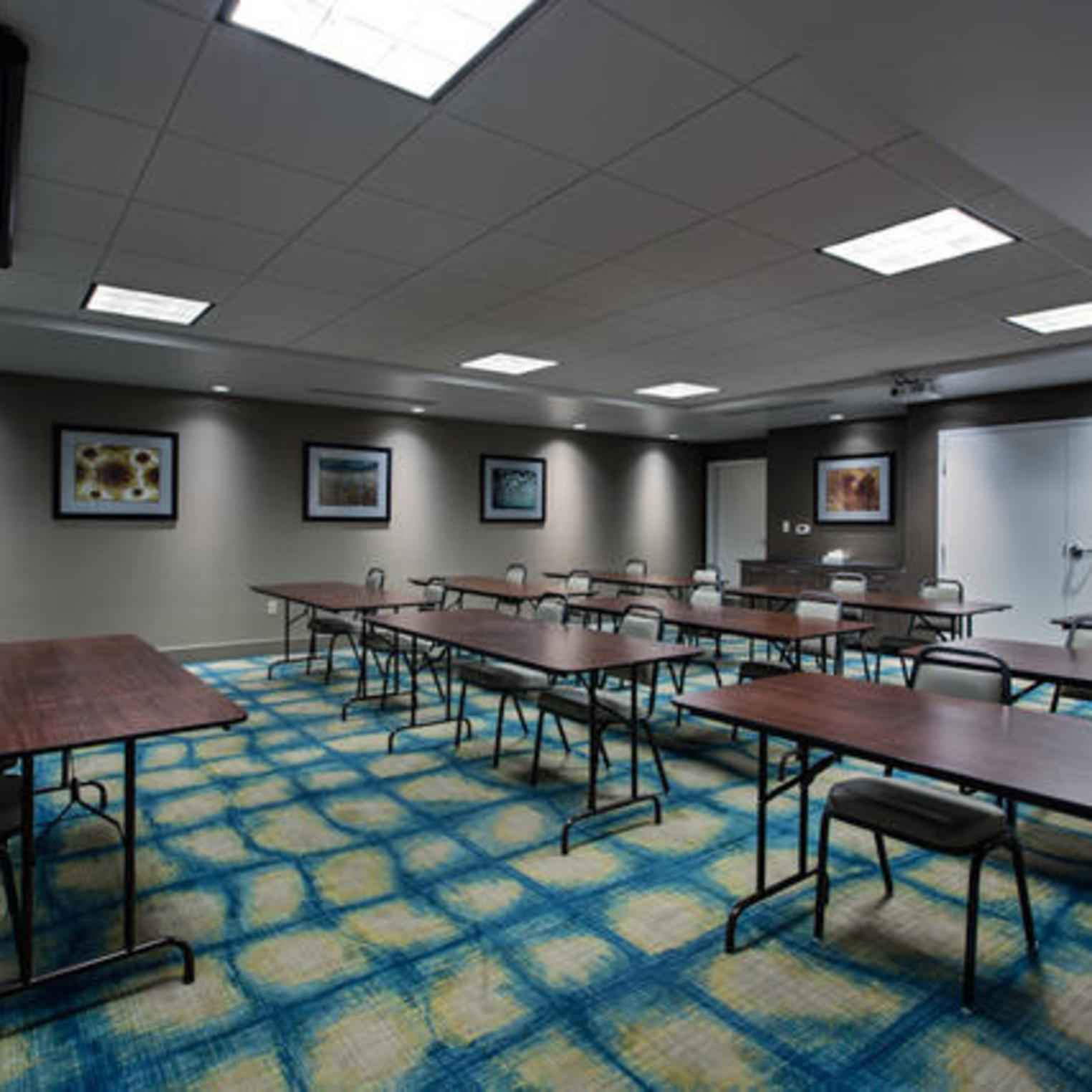 Holiday Inn Express and Suites Meeting Room