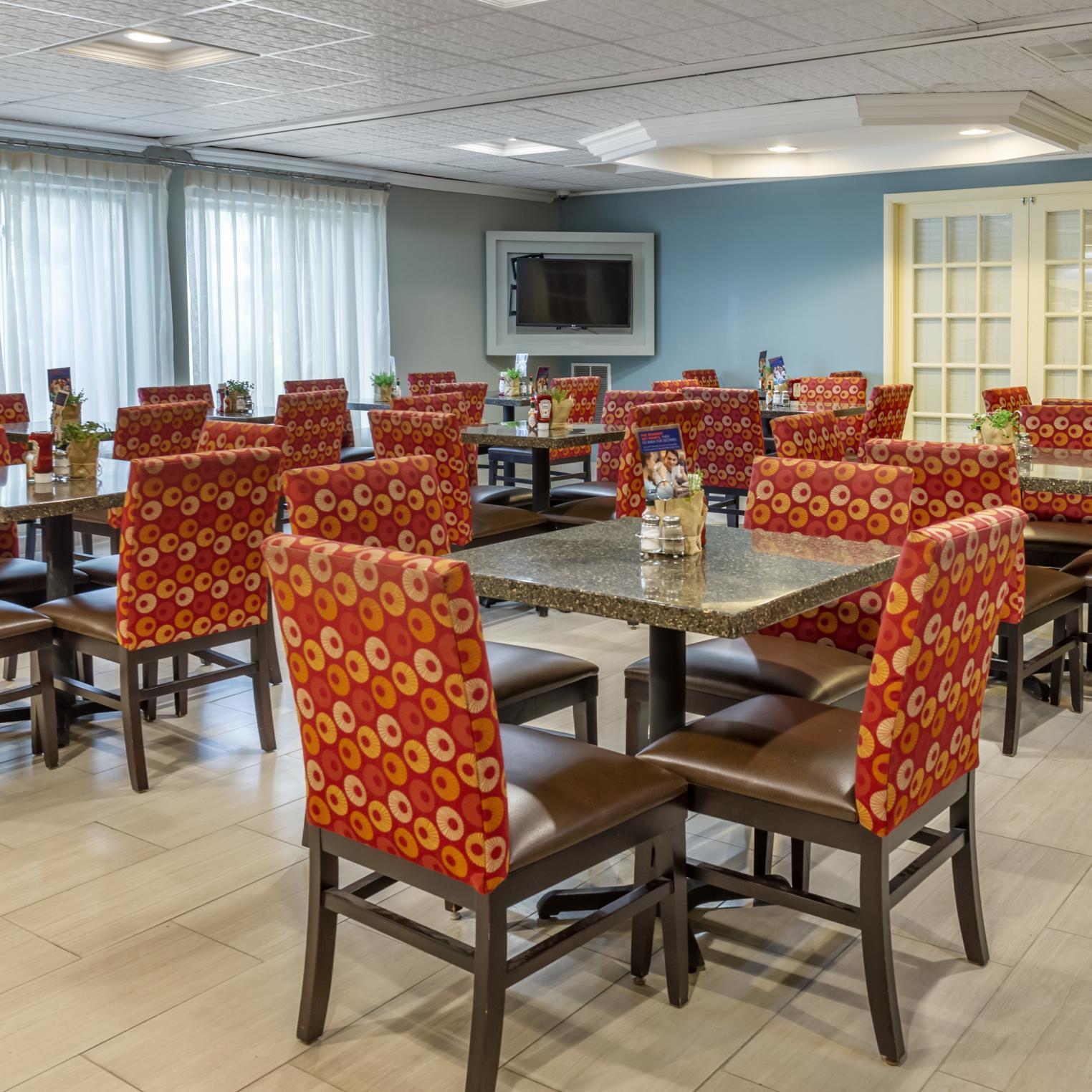Holiday Inn Express Harrisburg SW Mechanicsburg Dining Room