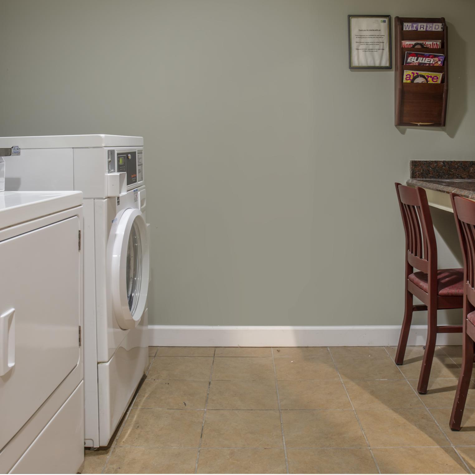 Holiday Inn Express Harrisburg SW Mechanicsburg Laundry