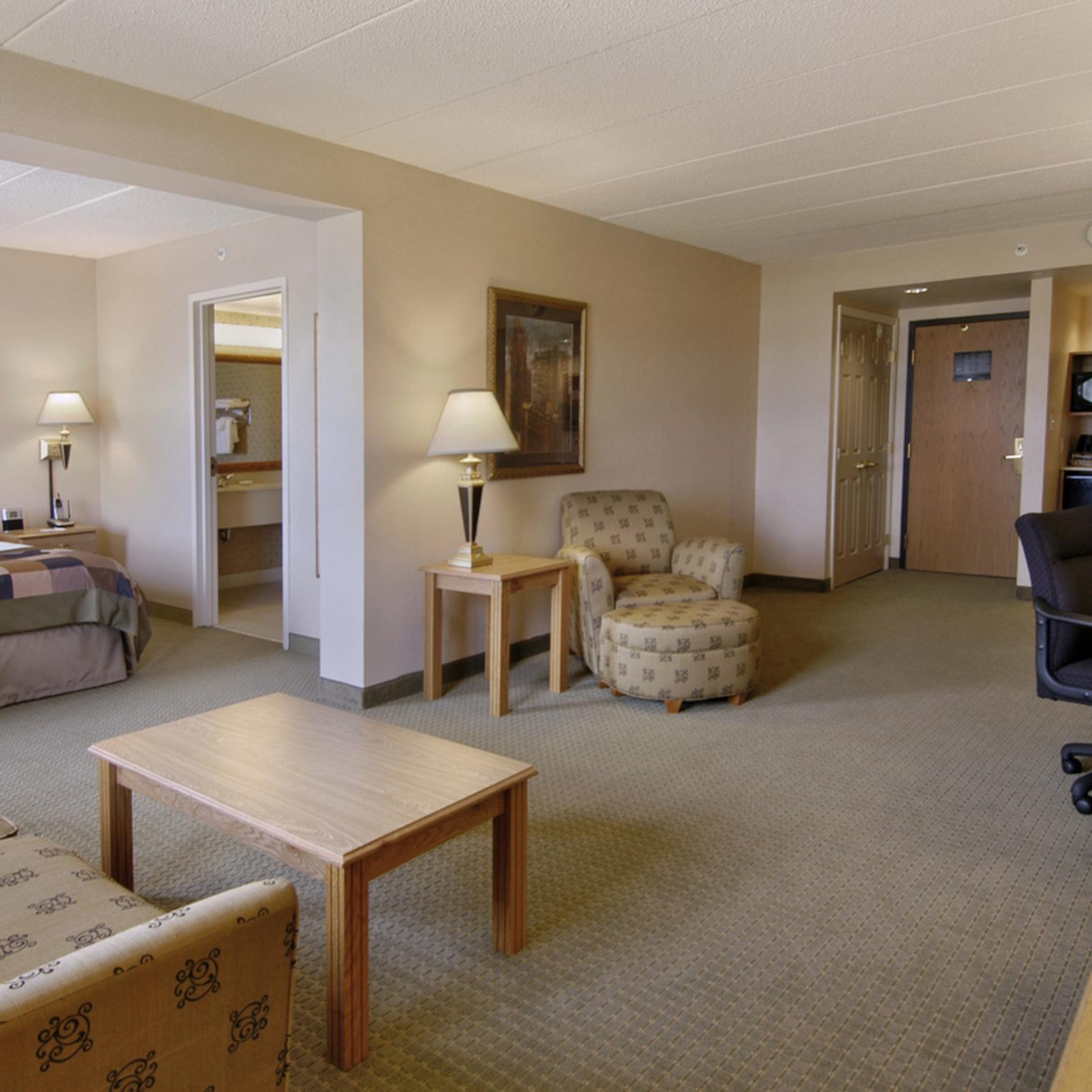 Large suite at Wingate Mechanicsburg