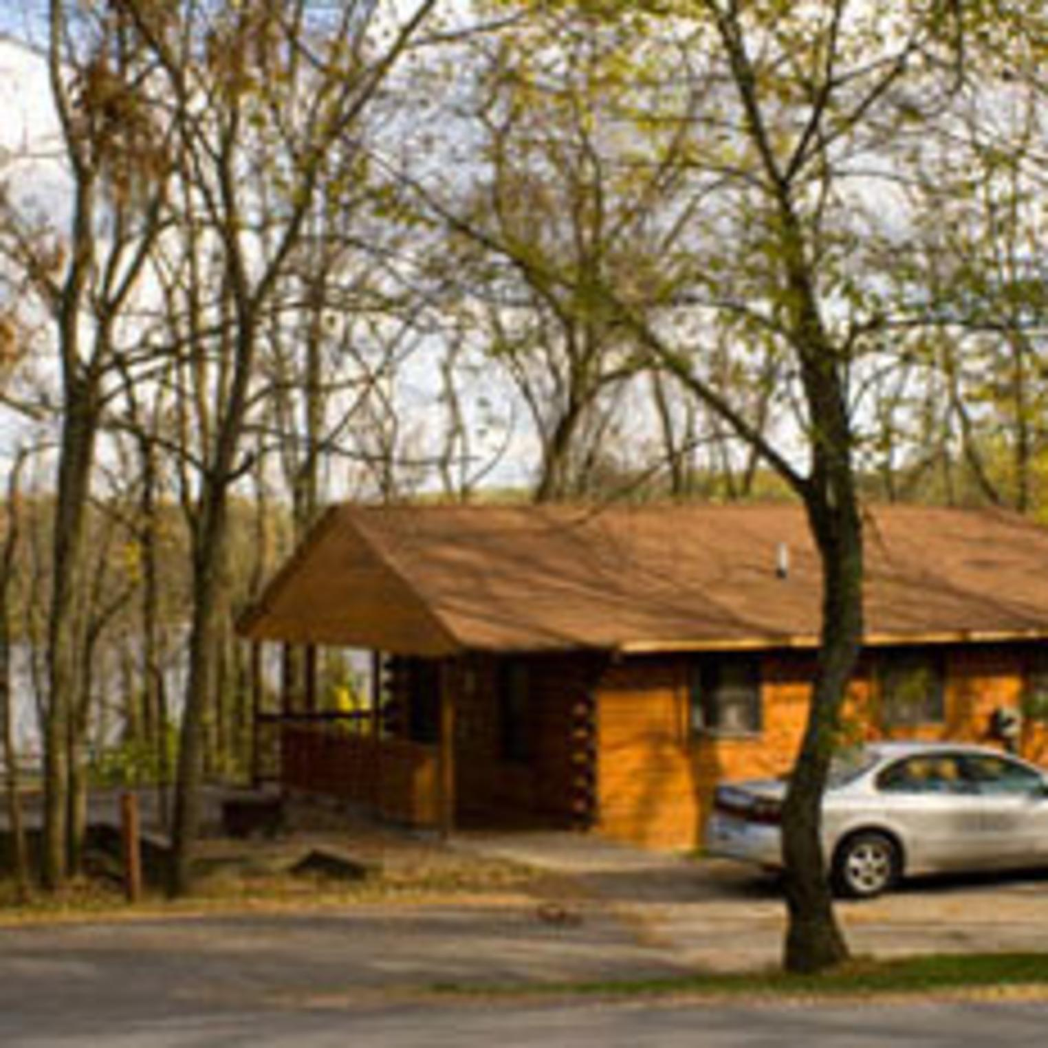 Cabin at Pinchot State Park