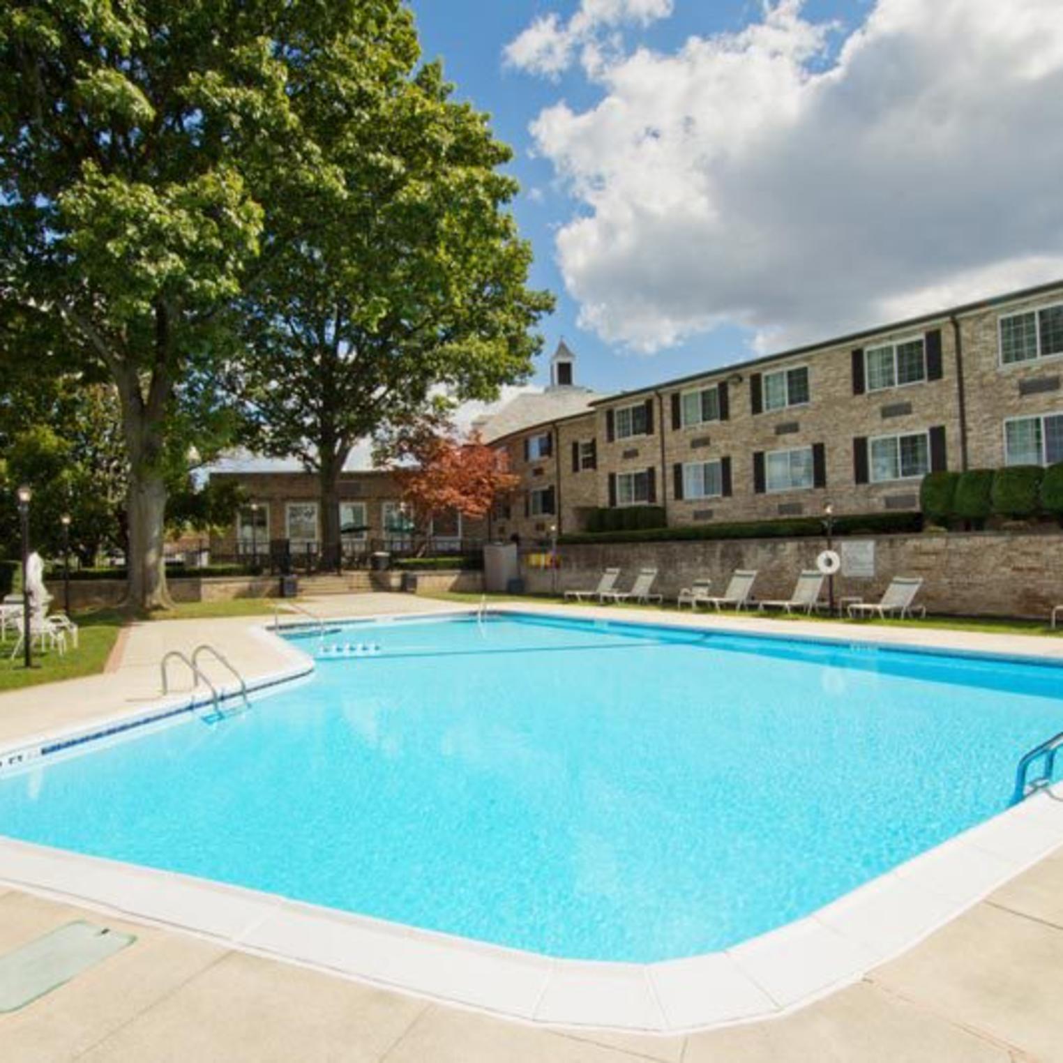 Radisson Hotel Pool