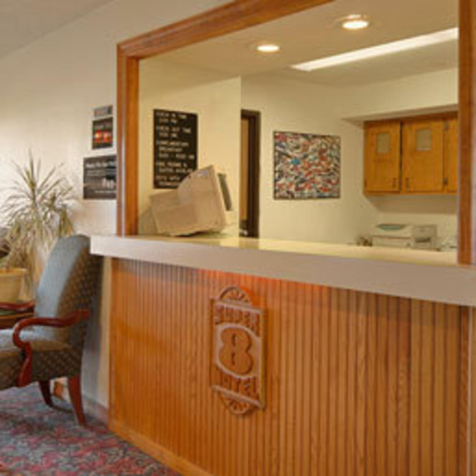 Super 8 Carlisle South Front Desk