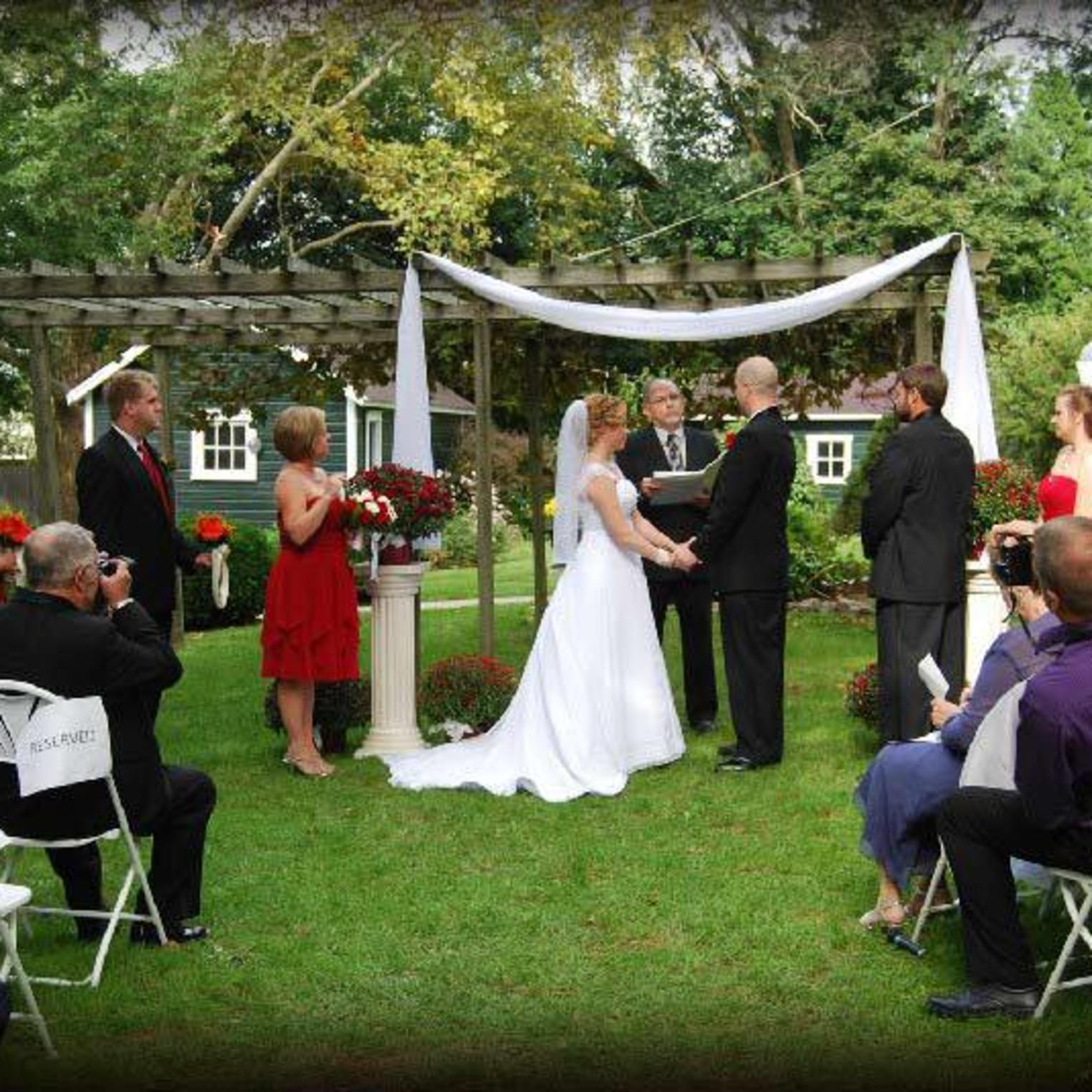 Two Mile House Outdoor Wedding