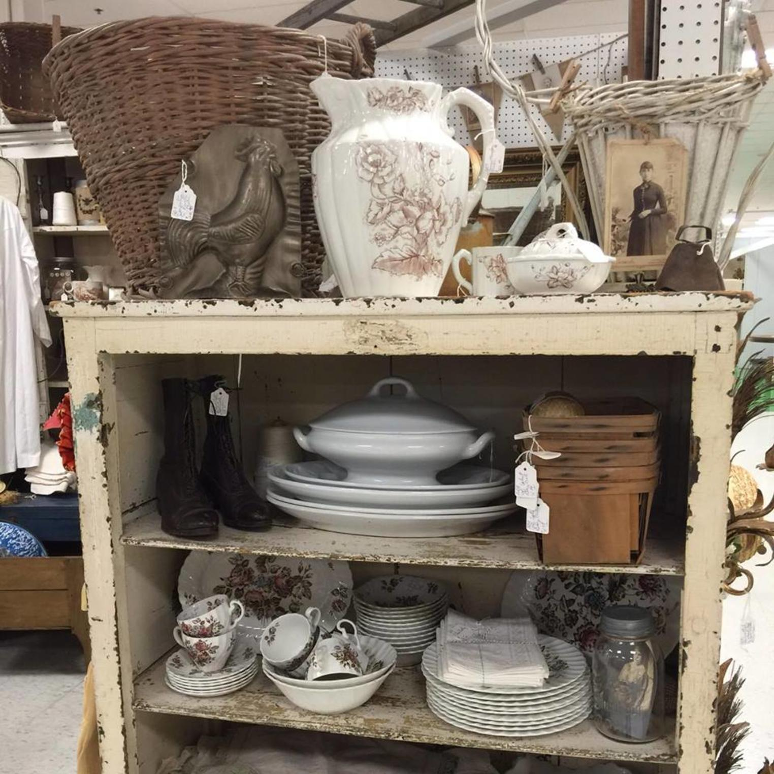StoneHouse Road Vintage Antiques & Found Goods