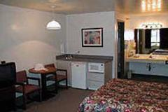 Econolodge_Room.jpg