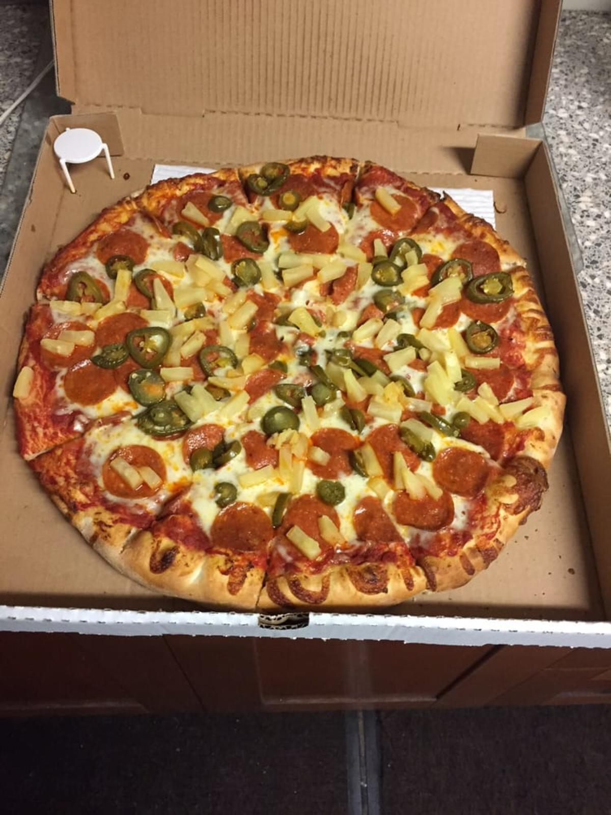 Munchies Pizza in Huntington Beach
