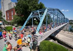 Walnut Street Bridge Dan Henry