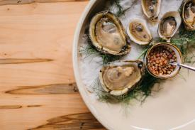 Easy Bistro_Oyster Hour
