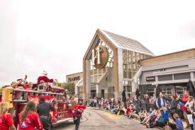 Hamilton Place_Santa Parade