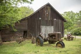 Reynolds-Nature-preserve-barn