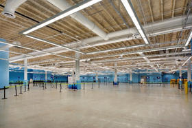 Interior photo of Cruise Terminal 19 baggage lay-down area