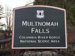 Day Trip: Seattle Southside's Dalmatian Dog Goes to Portland: Multnomah Falls