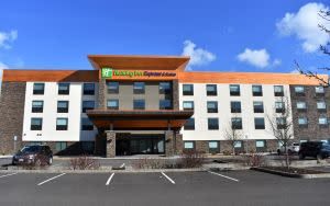 Holiday Inn Express East - Booking Image