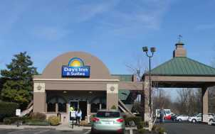 Days Inn & Suites; Lexington, KY
