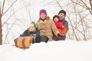 yer-road-park-victor-sledding-family