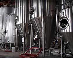 Brew tanks Rivertowne Brewing