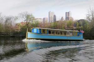 Sweet Breeze canal boat in Downtown Fort Wayne
