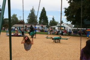 Creswell 4th of July_swings