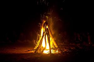 ganondagan-victor-scary-tales-bark-long-house