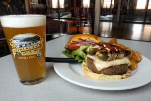 appalachian-brewing-company-harrisburg-beer-burger