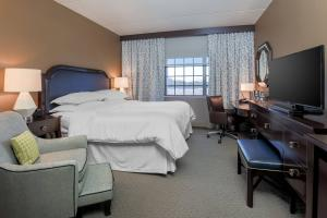 King guestroom at the Sheraton Tarrytown