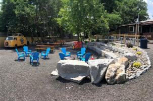 Floyd County Brewing Co Out Door Seating Area