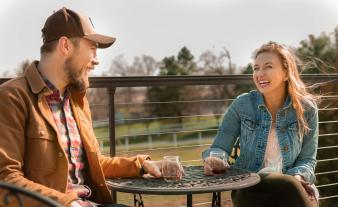 cassel-vineyards-of-hershey-hummelstown-wine-couples