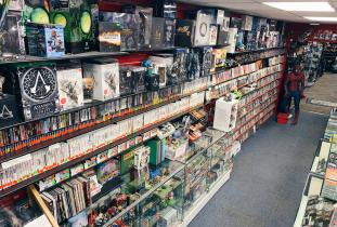 Video Games, NES, SNES, Xbox, Playstation, Atari & MORE