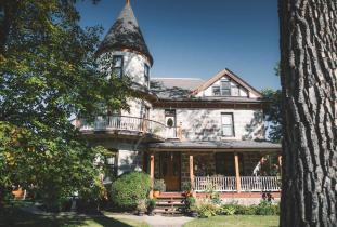 Exterior of Bella's Castle Bed & Breakfast in Morden