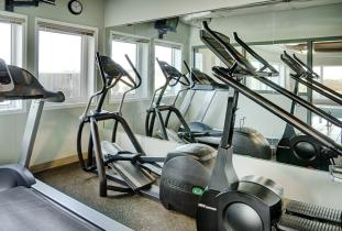 Lakeview Inn & Suites Brandon Fitness Centre