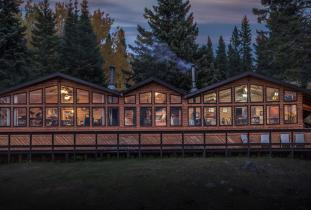 Burntwood Lake Lodge