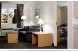Jays Inn & Suites