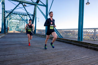 Chattanooga Marathon_Walnut Street Bridge