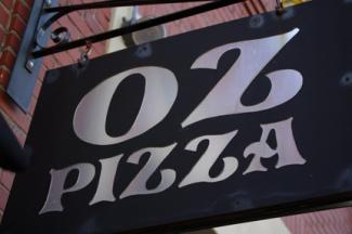 Oz Pizza's sign
