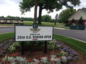 Golf Senior Open sign