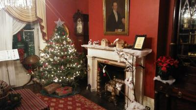 Ten Broeck Mansion Holiday House