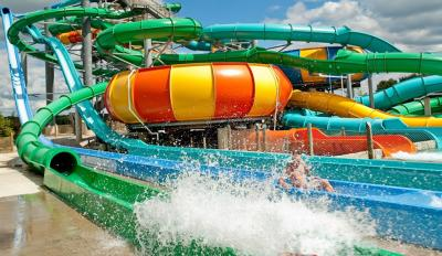 Zoombeezi Bay water slides