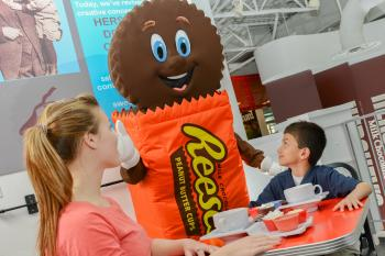hersheys-characters-reeses-chocolate-covered-february