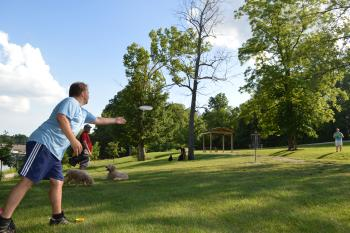 Disc golf at Avon Town Hall Park