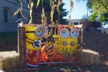 Come see all of the creative scarecrows around the Hendricks County Courthouse Square in October!