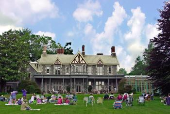 Rockwood Mansion and Park - Front Lawn