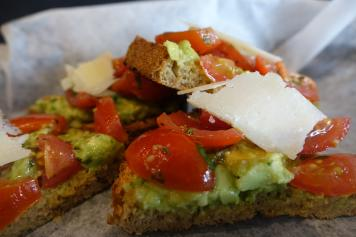avo-toast-at-vessel